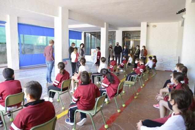 Imagen: Alumnos del MªInmaculada presentan su trabajo' Valentes'