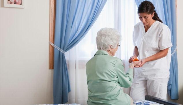 Imagen: Ayuda y cuidados a mayores
