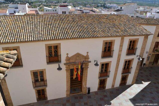 Imagen: Fachada del Ayuntamiento de Xàbia