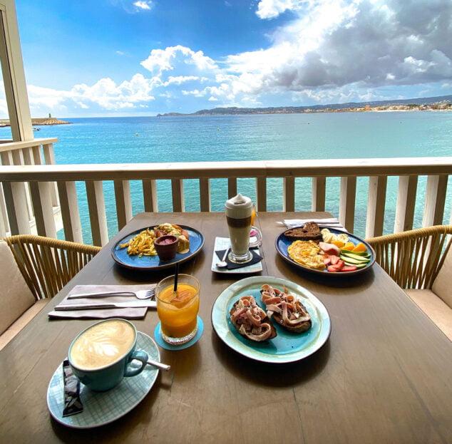 Imagen: Desayuno con vistas al mar de Cala Bandida