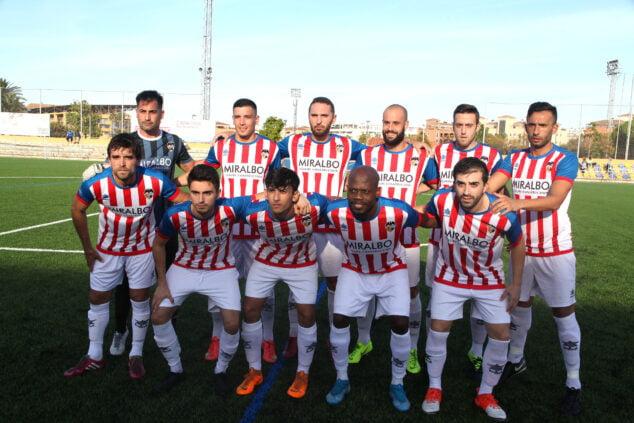 Imagen: El once del CD Jávea en el partido contra el CD Dénia