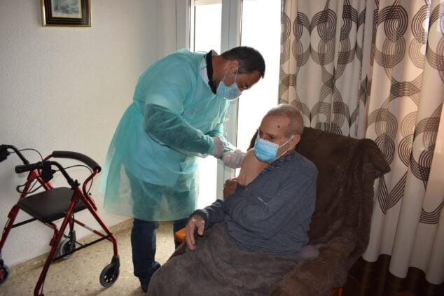 Imagen: Vacunación a mayores de Benitatxell