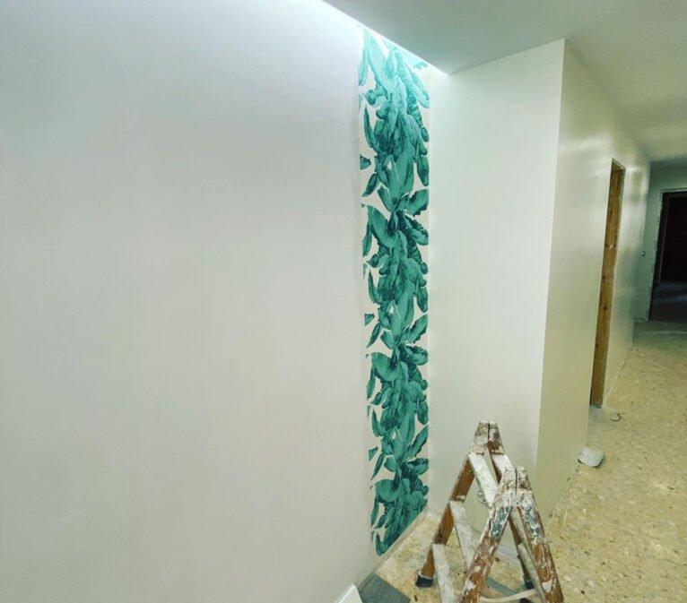 Antes de acabar un pasillo con pintura decorativa - Pinturas Juanvi Ortolà