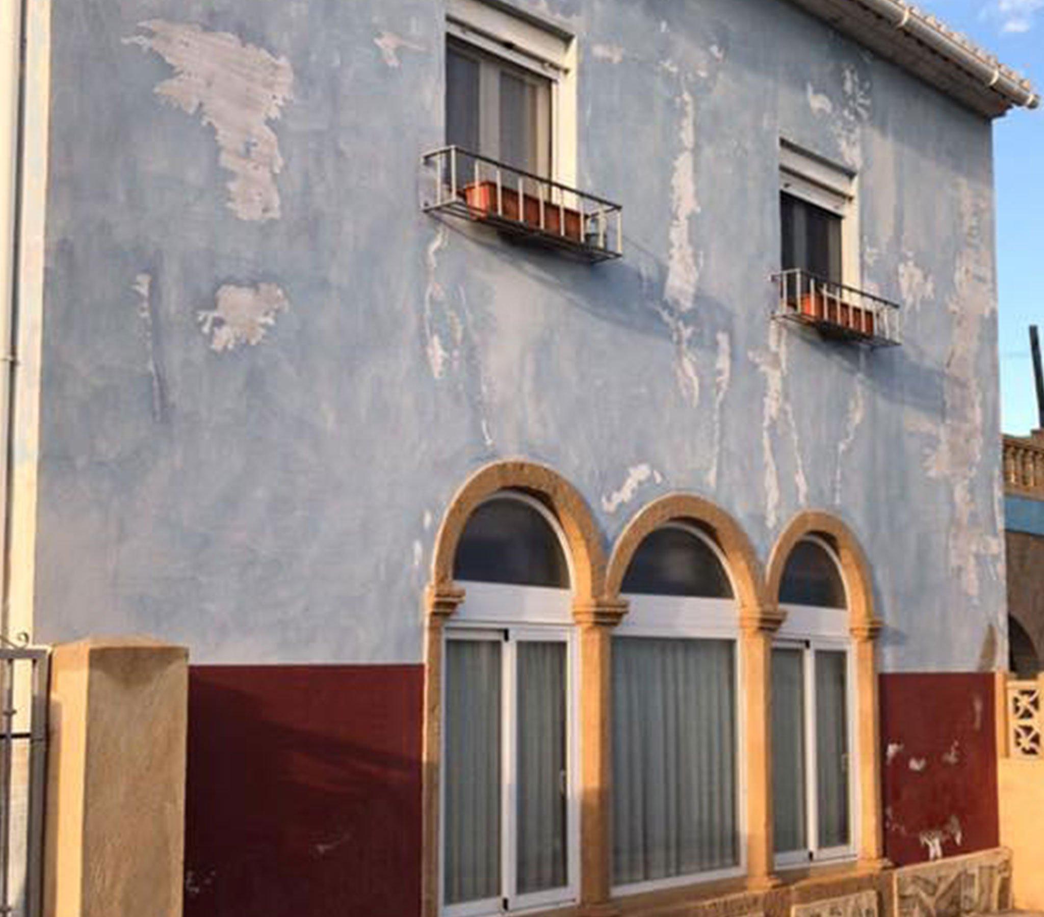 Antes de la remodelación de una fachada – Pinturas Juanvi Ortolà