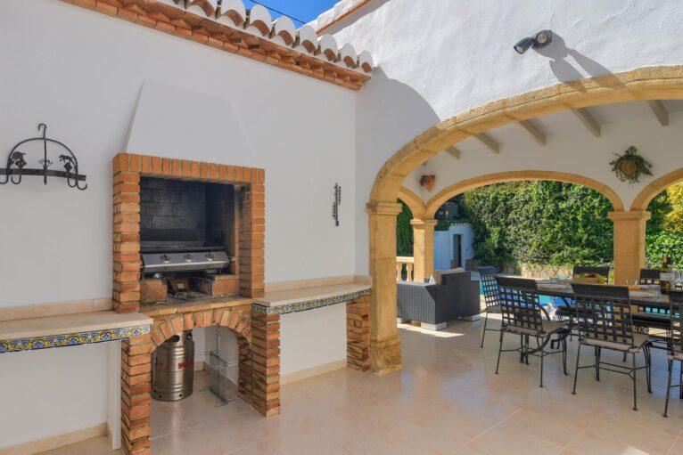 Barbacoa en una casa de alquiler para vacaciones en Jávea - Aguila Rent a Villa
