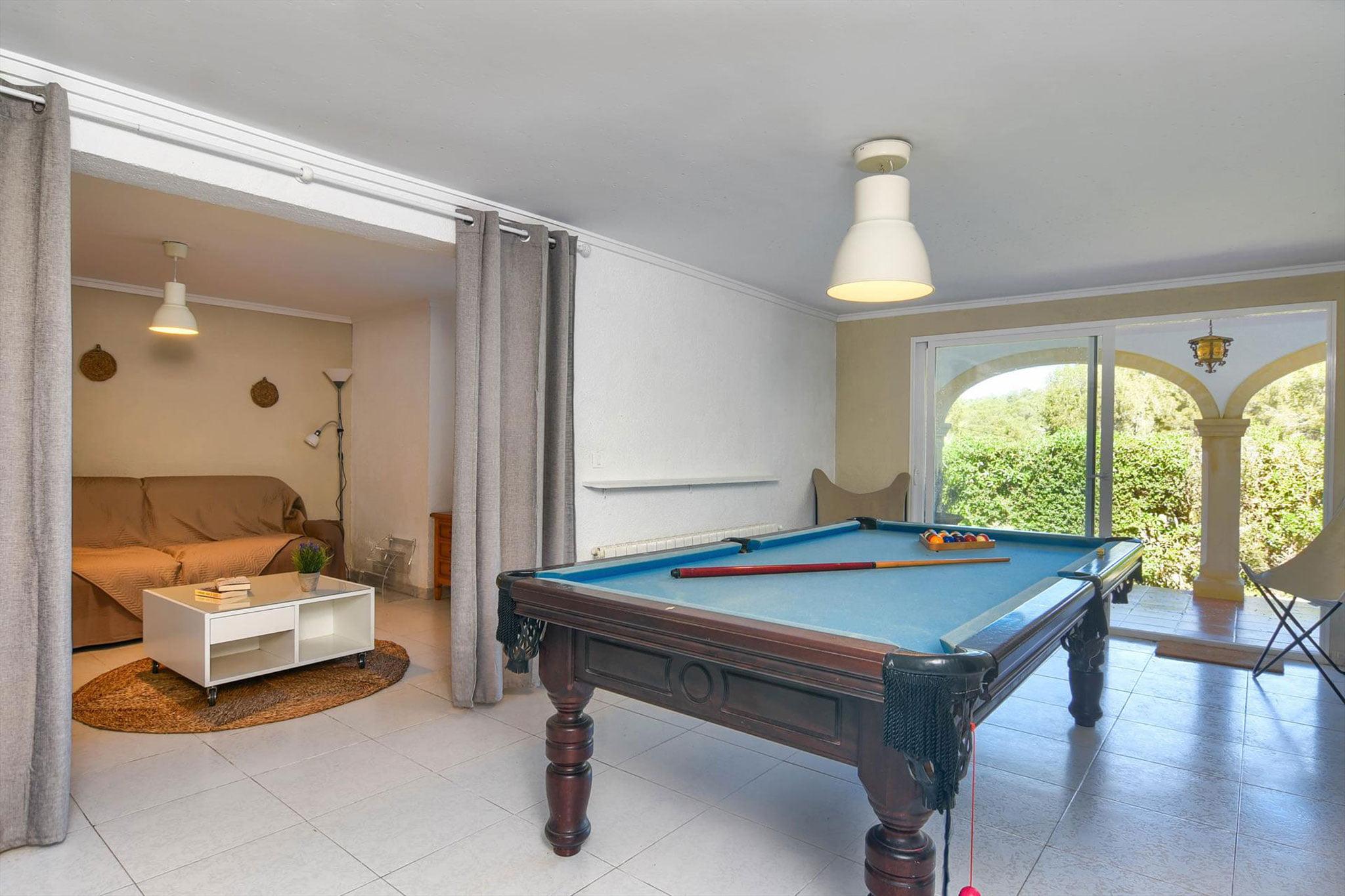 Sala de billar en una casa de alquiler para vacaciones en Jávea – Aguila Rent a Villa