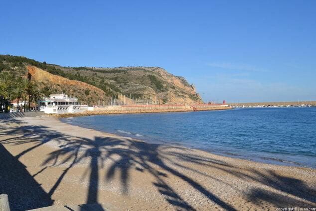 Imagen: Cabo San Antonio desde la Playa de la Grava