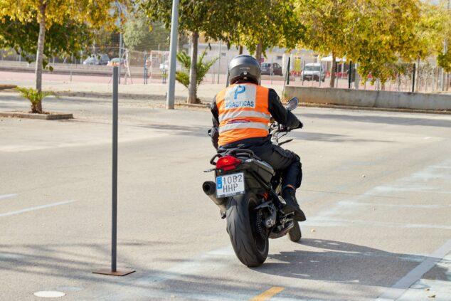 Imagen: Prácticas del carnet de moto - Autoescuela Guillem