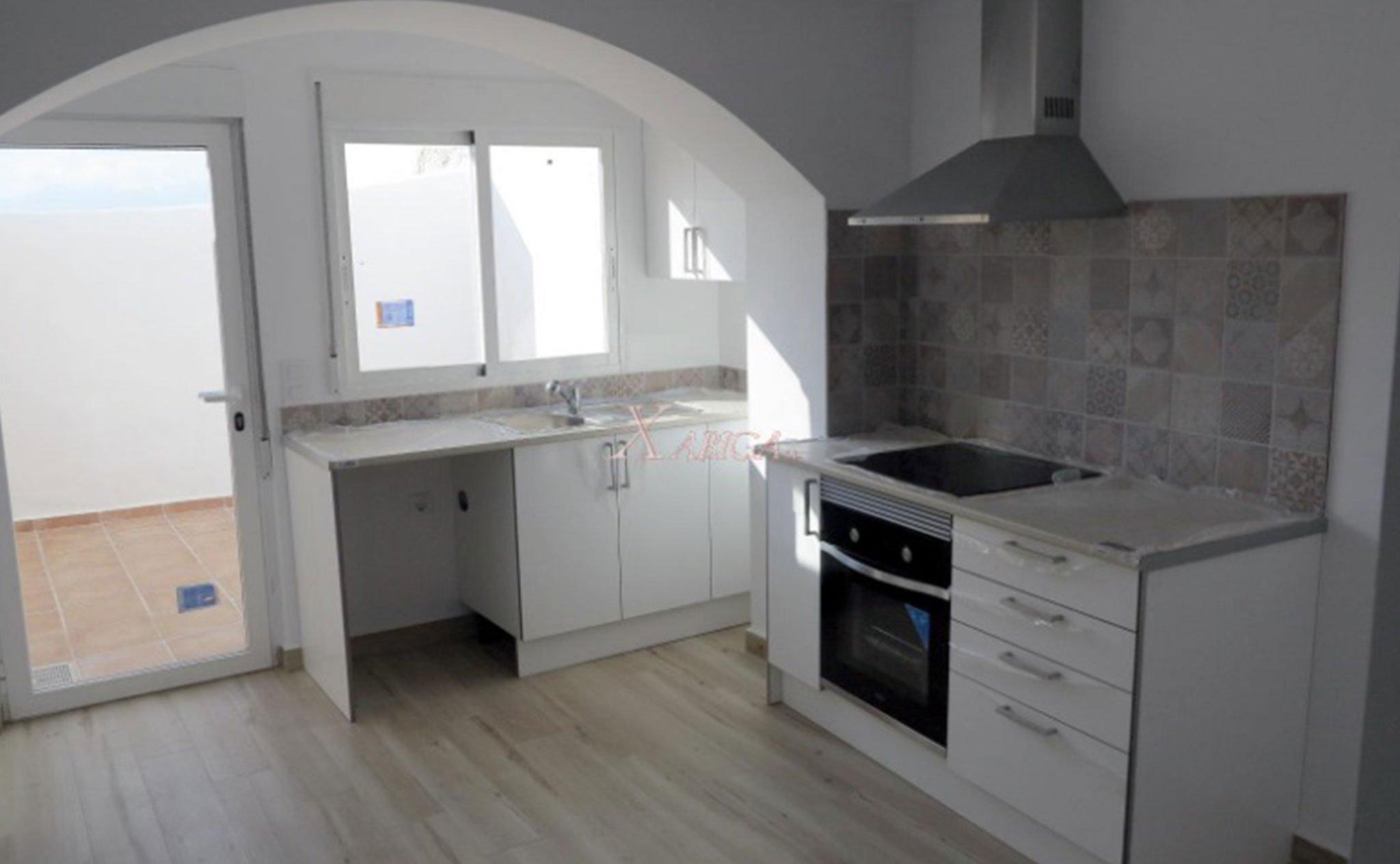 Cocina de una casa de pueblo en venta en Benitachell – Xabiga Inmobiliaria