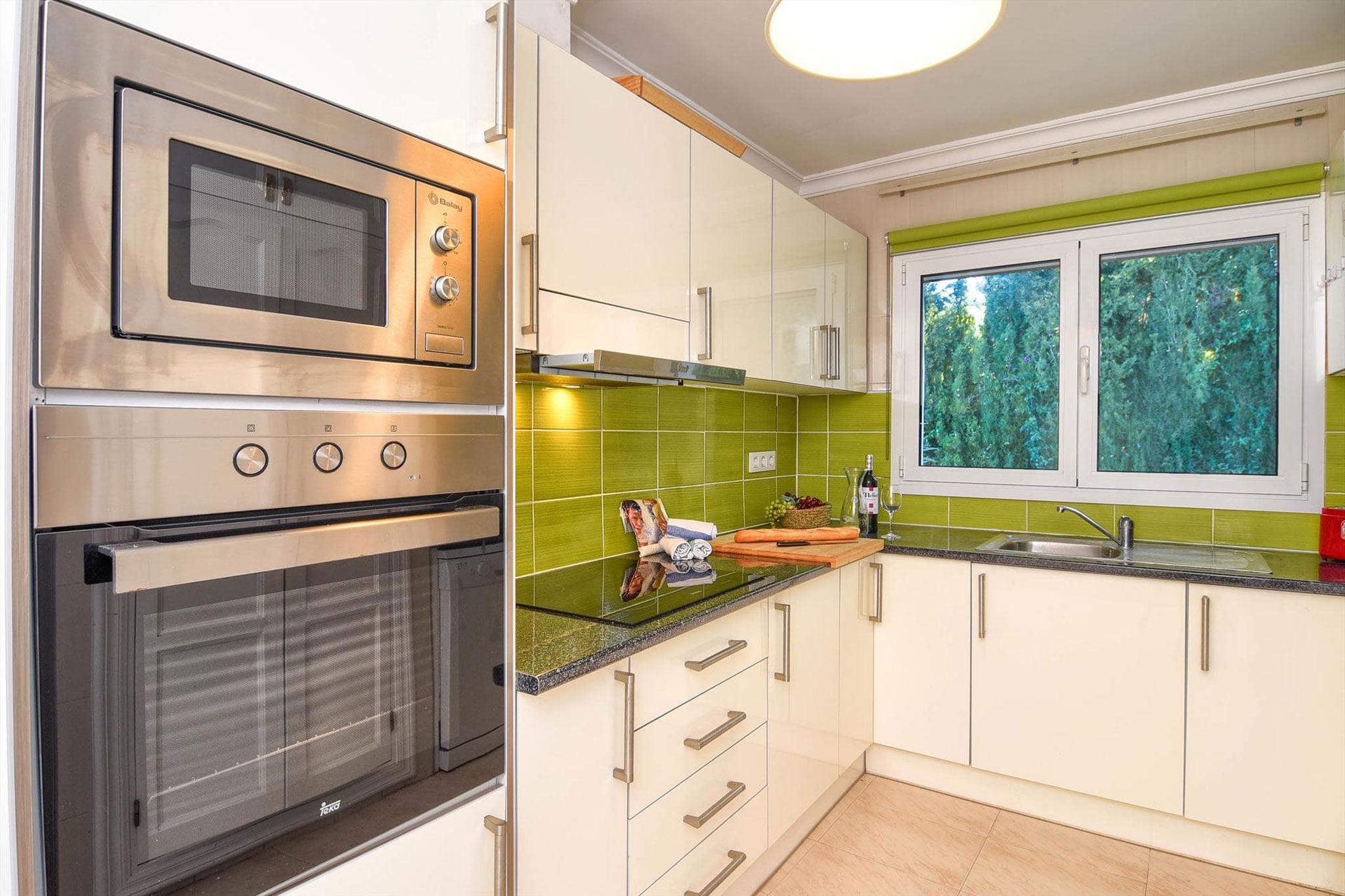 Cocina en una casa de alquiler para vacaciones en Jávea – Aguila Rent a Villa