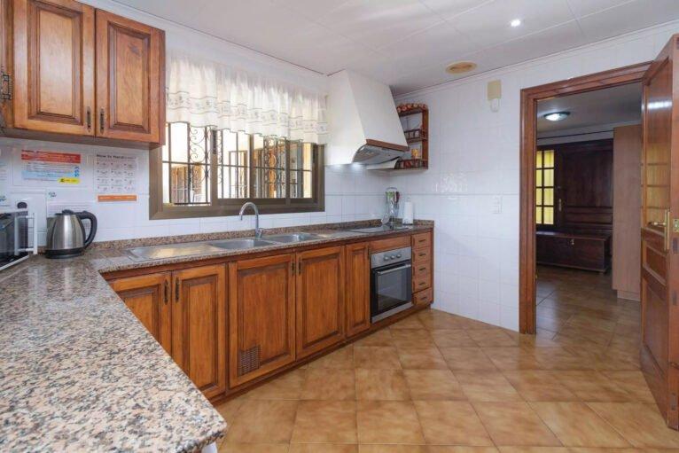 Cocina de una villa en venta en el campo en Jávea - Vicens Ash Properties