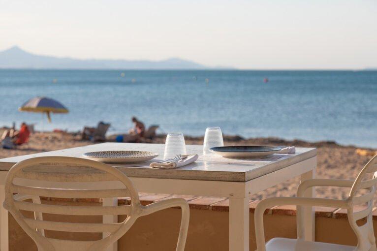 Comer en primera línea de playa – Restaurant Noguera ≡