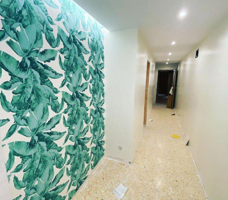 Después de la pintura del pasillo de una vivienda - Pinturas Juanvi Ortolà