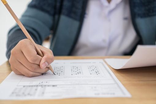 Imagen: Examen de oposiciones