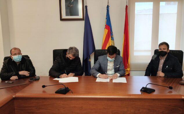Imagen: Firma del convenio por 'Nits de Tinta'