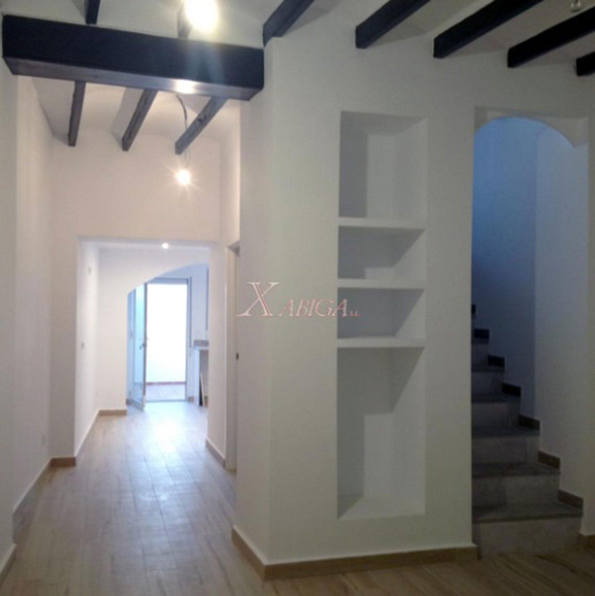 Interior de una casa de pueblo en venta en Benitatxell – Xabiga Inmobiliaria