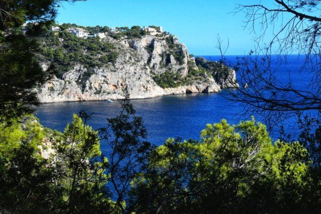 Imagen: Litoral del Xàbia. Cova del Llop Marí