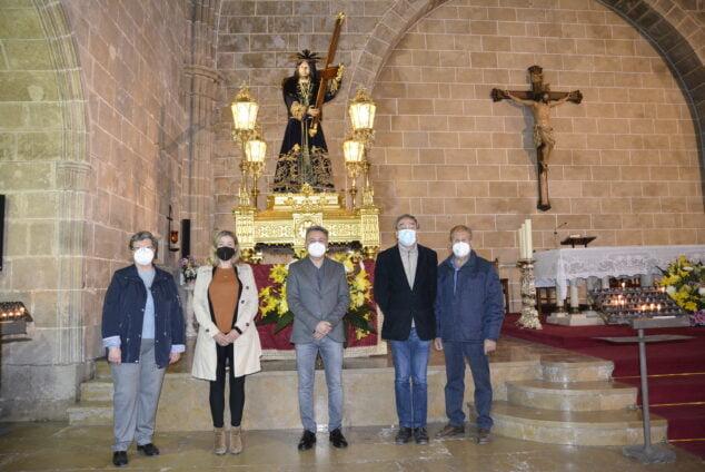 Imagen: Representantes Cofradía y municipales