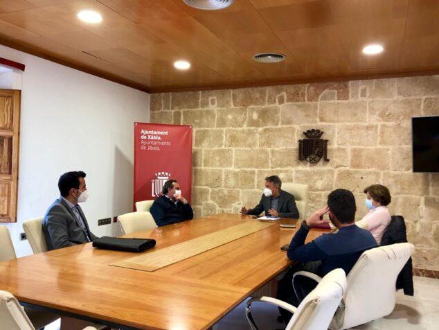 Imagen: Reunión municipal con los vecinos de La Plana