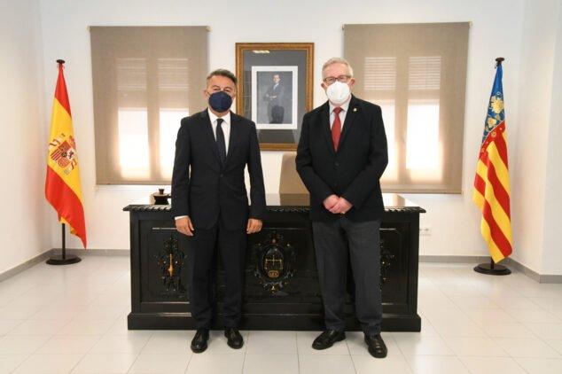Imagen: Toma de posesión del juez de paz, Gabriel Sapena