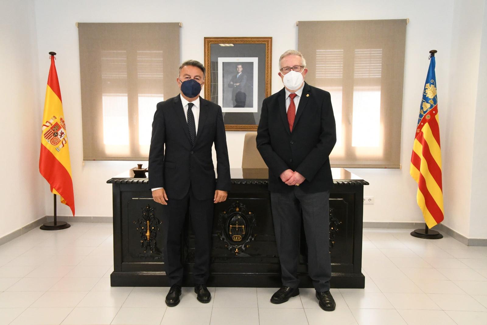 Toma de posesión del juez de paz, Gabriel Sapena