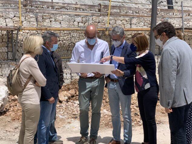 Imagen: El conseller visita las obras del puerto de Xàbia