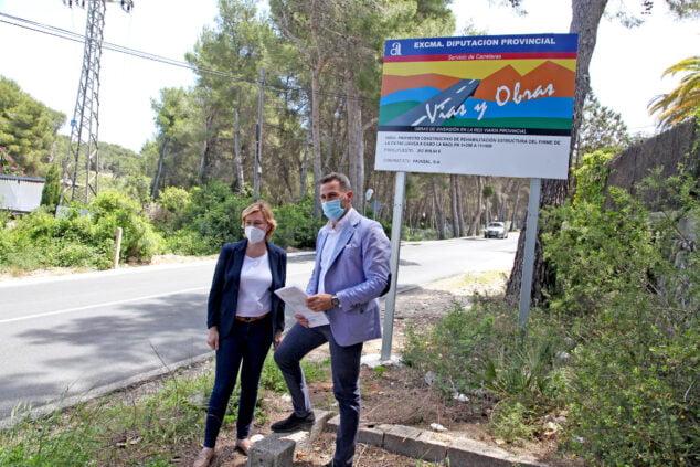 Imagen: Alejandro Morant y Rosa Cardona en la CV-742