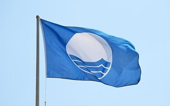 Imagen: La bandera azul ondeará en tres  playas de Xàbia