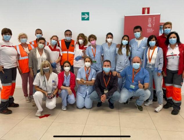Imagen: Equipo de voluntarios y personal sanitario