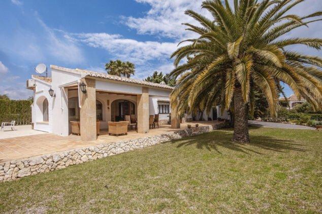 Imagen: Exterior de una villa de vacaciones en Jávea - Aguila Rent a Villa