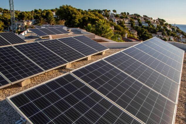 Imagen: Instalación de placas solares en Jávea - SUN & PROJECTS