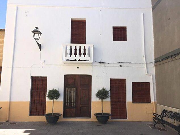 Imagen: Renovada imagen de la casa de la Plaza de la Iglesia