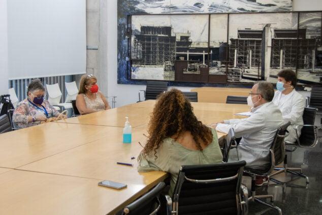 Imagen: Reunión Hospital de Dénia con representantes de AFIMA