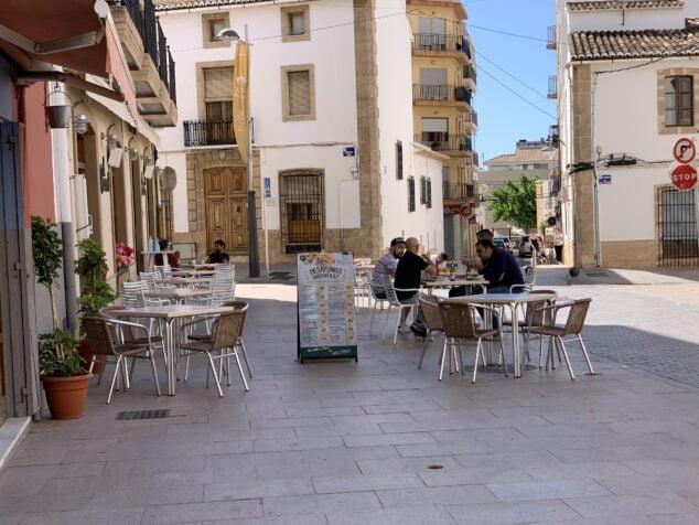 Imagen: Terraza de un bar en Xàbia
