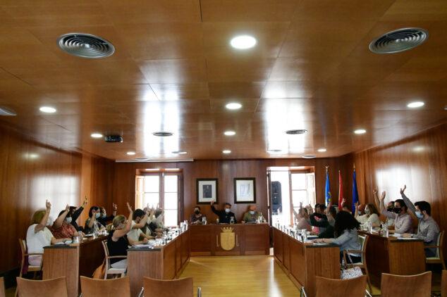 Imagen: Unanimidad en el acuerdo de cambio de las bases del Premio 9 de octubre