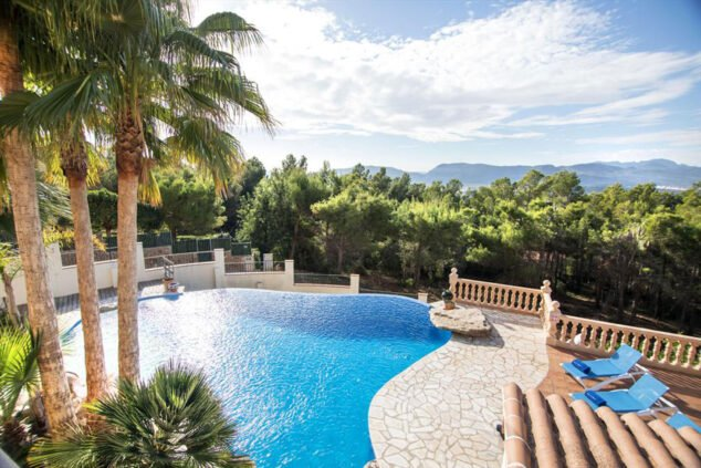 Imagen: Vista de la piscina de una casa de vacaciones para catorce personas en Jávea - Quality Rent a Villa