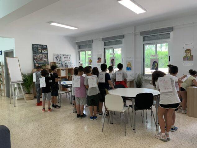 Imagen: Alumnos en el aula 'Espai Clau'