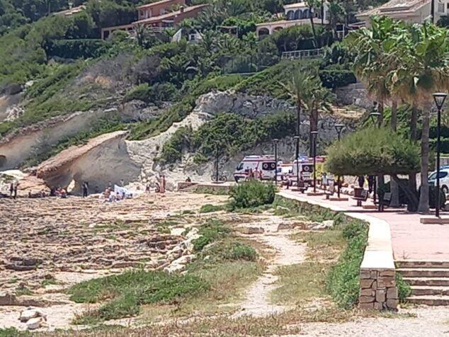 Imagen: Asistencia sanitaria en la Caleta de Xàbia