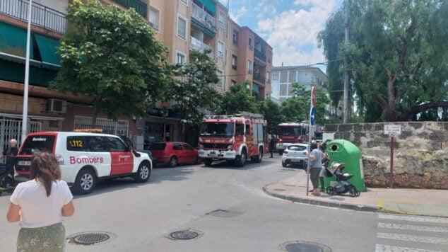 Imagen: Bomberos actúa en el incendio de una vivienda