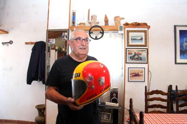 Imagen: El casco con el que mostraba su orgulloso origen javiense