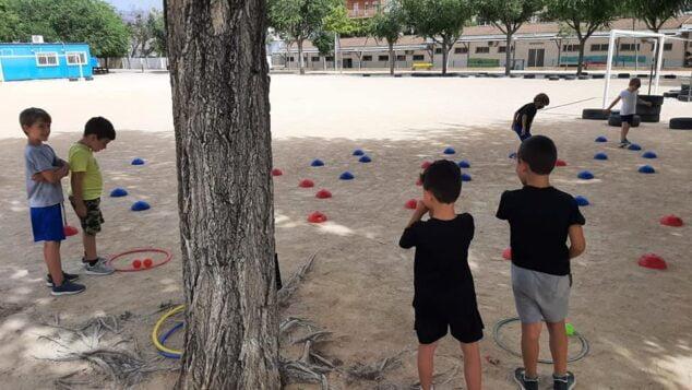 Imagen: Entrenamiento de los pequeños de la Escuela de Atletismo Llebeig