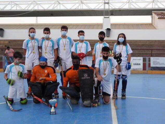 Imagen: Equipo infantil del Club de Hockey Xàbia
