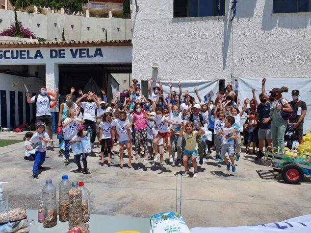Imagen: Jornada de limpieza impulsada por el CN Jávea y Ecomar