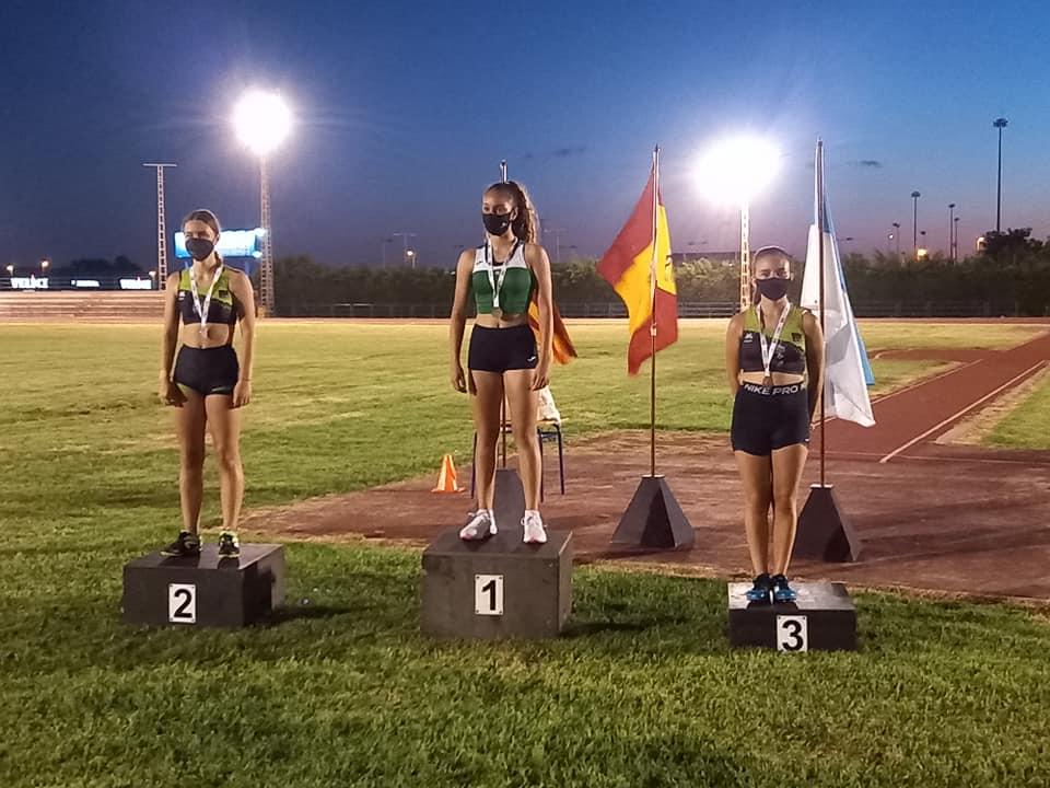 Laura Crespo y Ainara Sapena en el podio