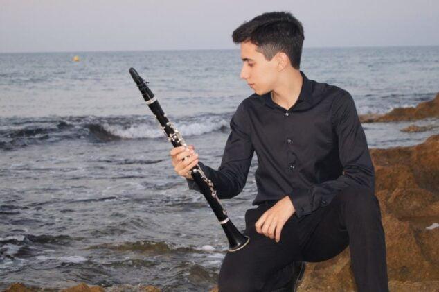 Imagen: Miguel Gonzalo García con su clarinete