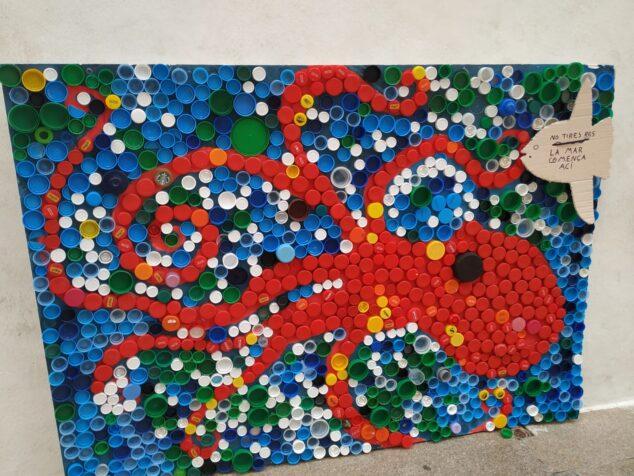 Imagen: Mural realizado por los alumnos de Xàbia