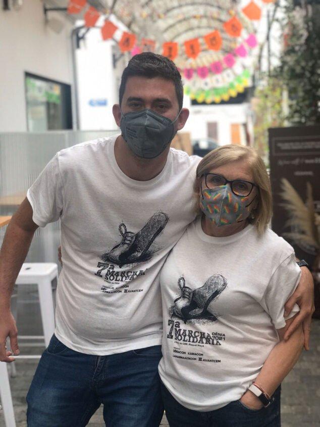 Imagen: Participantes inscritos luciendo la camiseta