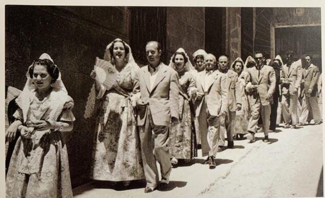 Imagen: Pasacalle en Les Fogueres de 1951
