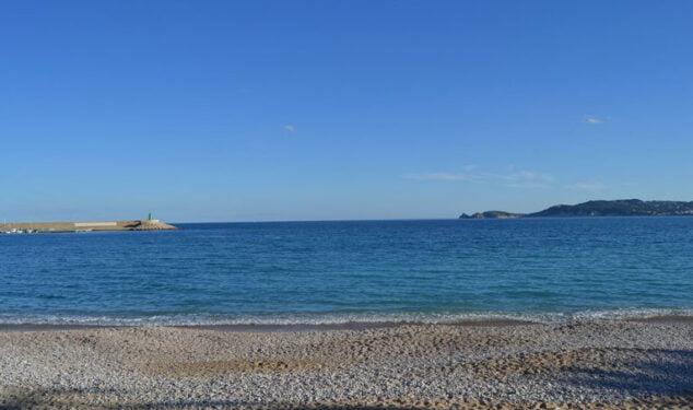 Imagen: Playa de la Grava Xàbia