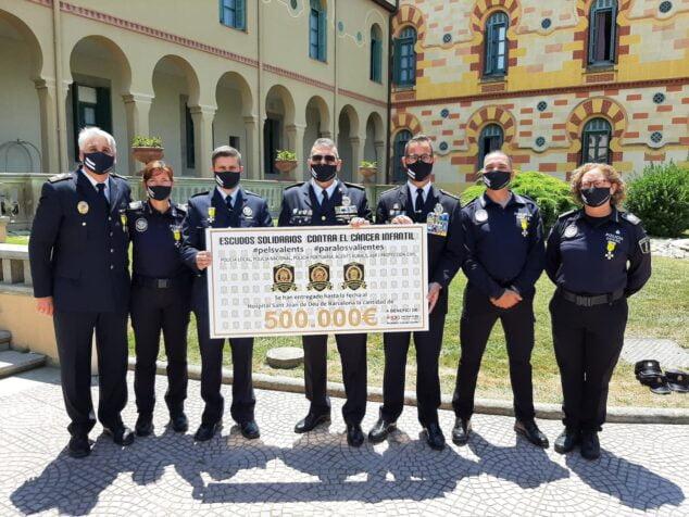 Imagen: Policia Local de Xâbia en la Gala de Escudos Solidarios